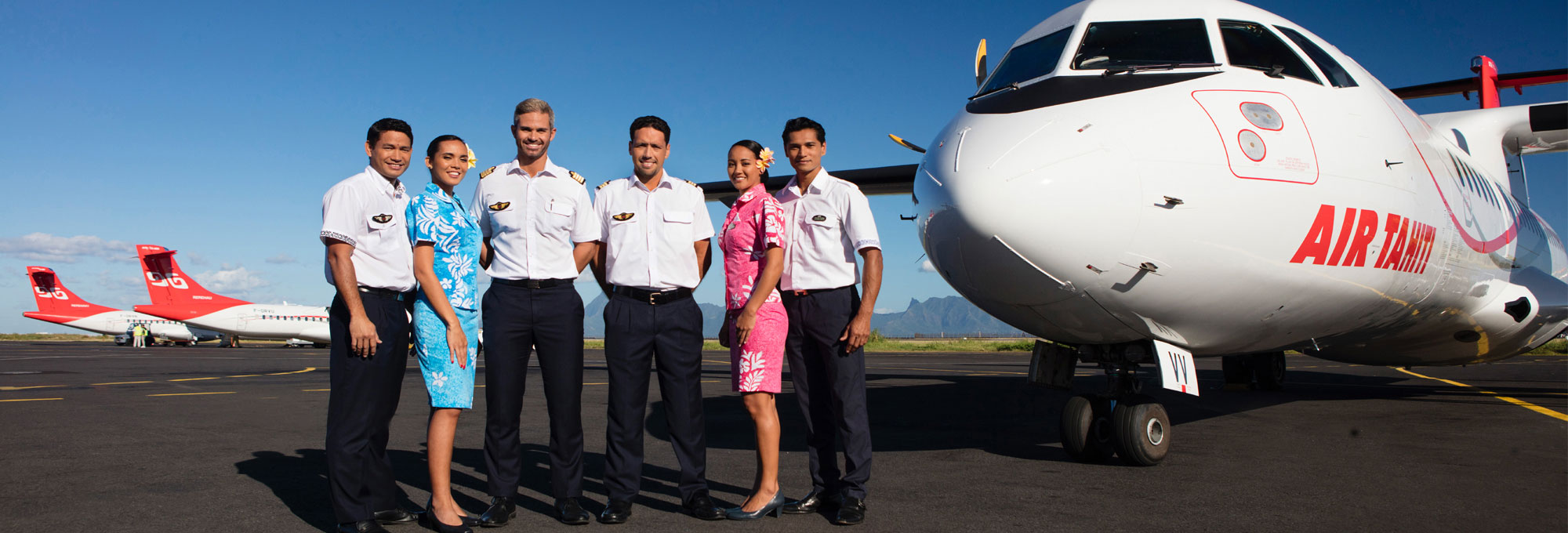 Air Tahiti crew in front of ATR 72 on Tahiti tarmac - © G. Le Bacon